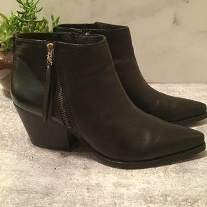Sam Edelman Walden Black Ankle Bootie Size 10M